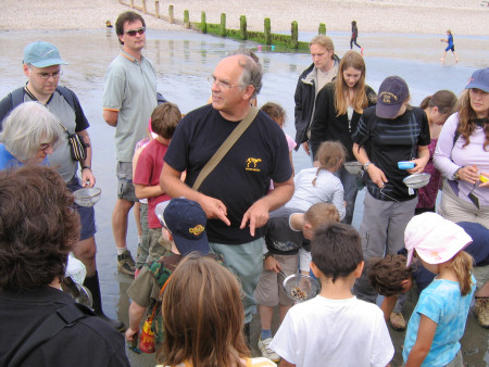 David Bone talks to a Discovering Fossils group