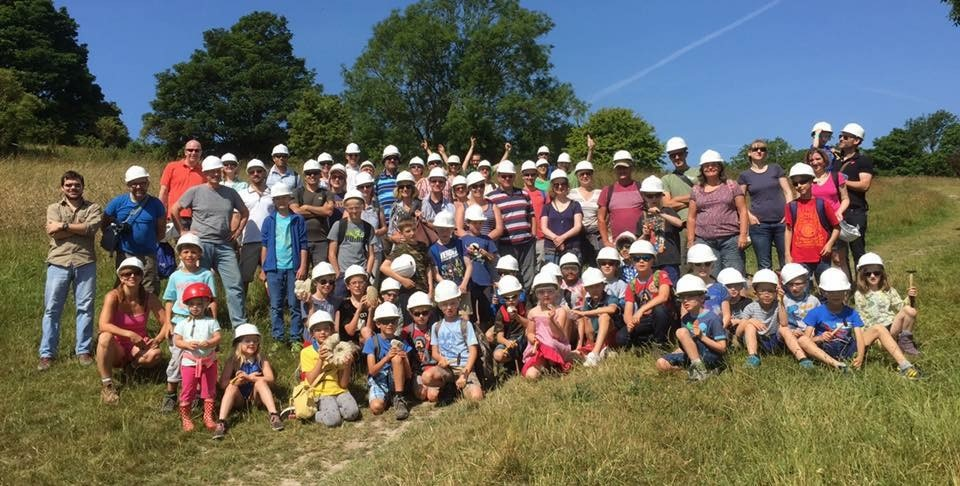 Public fossil hunt group photo