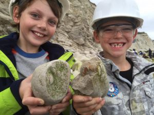 Discovering Fossils public fossil hunt